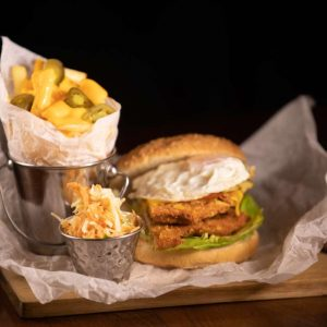 CHICKEN BURGER * 320/150/30g